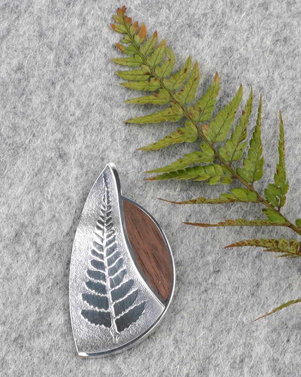 Big Brooch silver 1 FERN