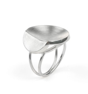 Small Leaf a silver ring