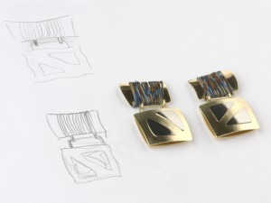 Earrings in gold and titanium
