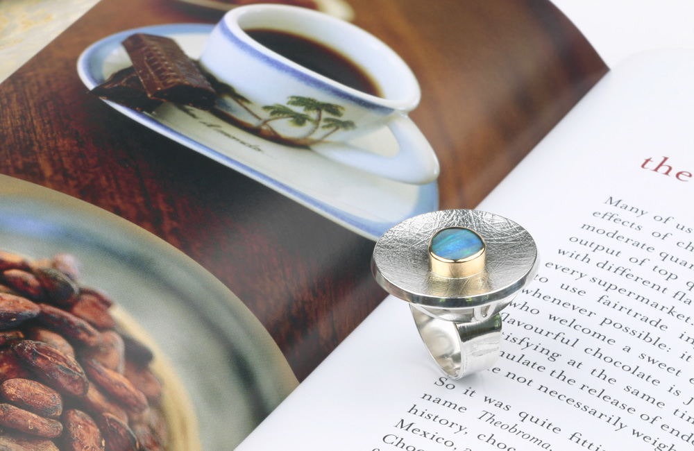 Big silver ring blue opal VLIEGENDE SCHOTEL