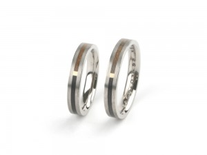 Wedding rings Forever in white gold ebony and cherry wood