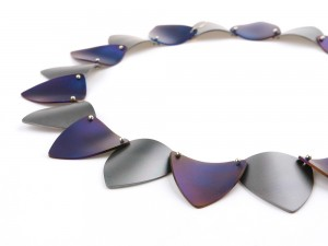 Purple and yellow titanium necklace Pierrot