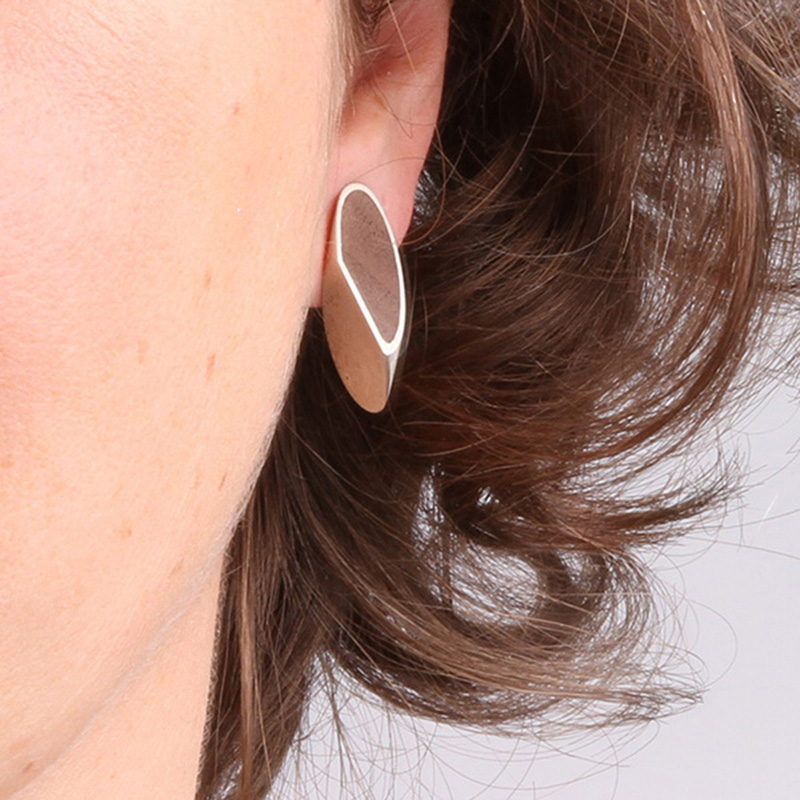 Earring KNOEST in silver and walnut