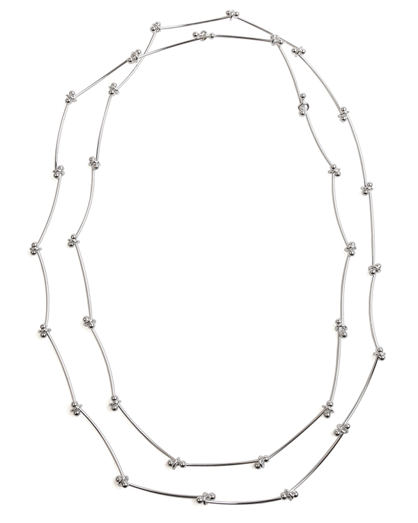 Long silver necklace Daisy Chain