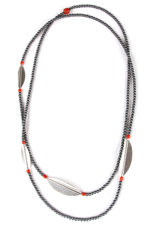 Necklace NIO silver, hematite and red coral