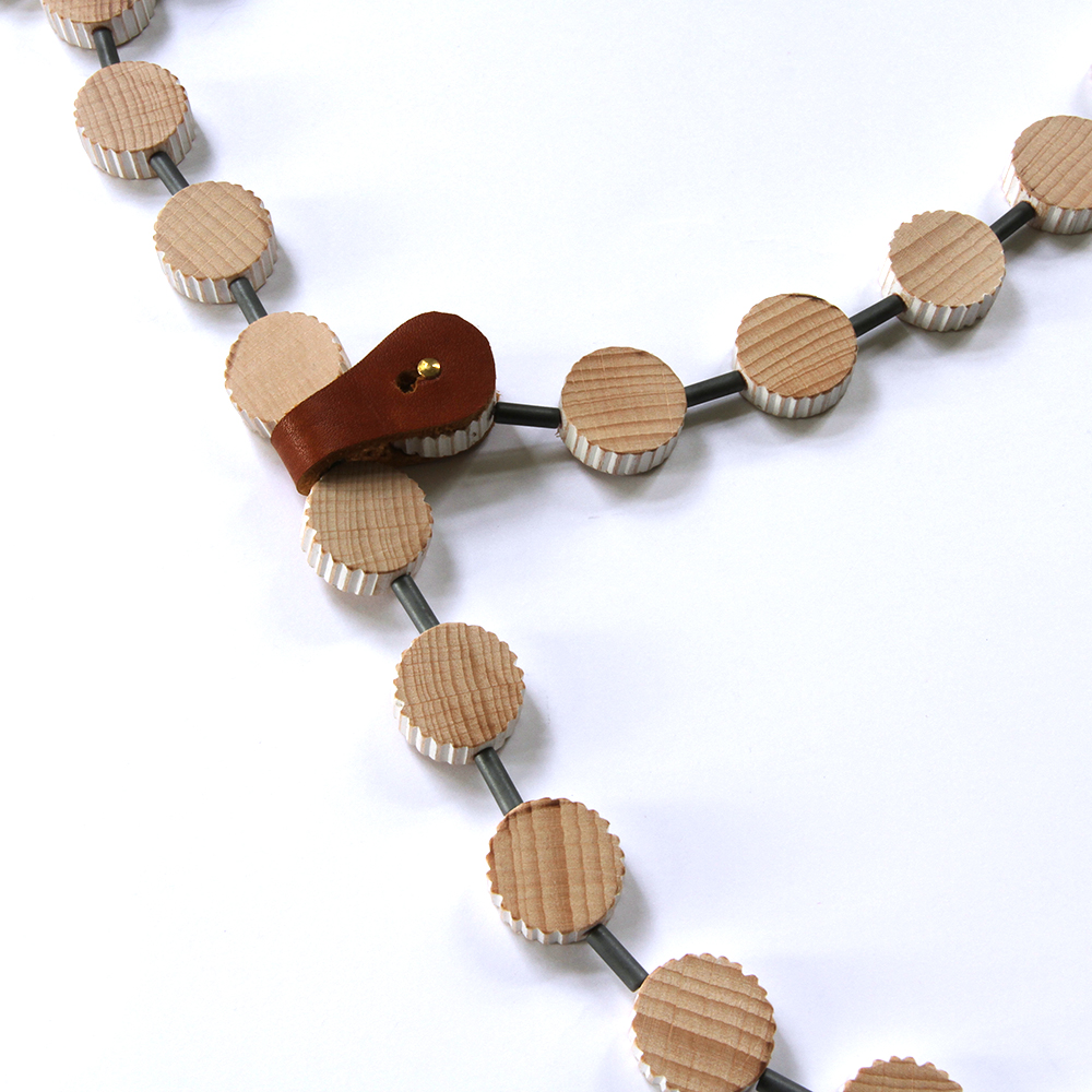 Necklace Nature with leather closure