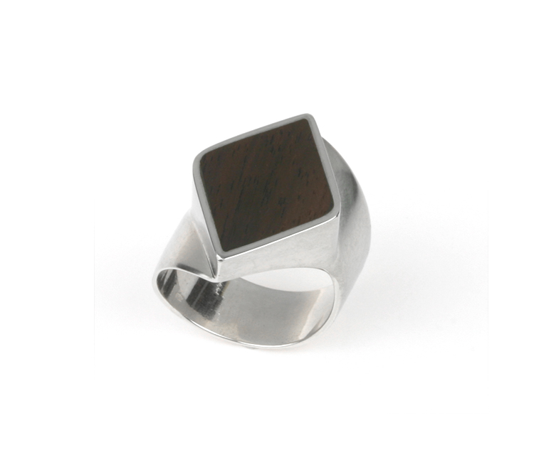 Silver mens ring in diamond shape