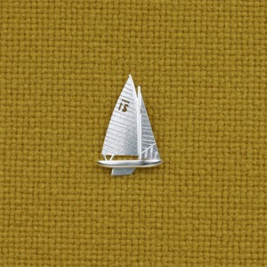 Small pin of a 30 square sailboat