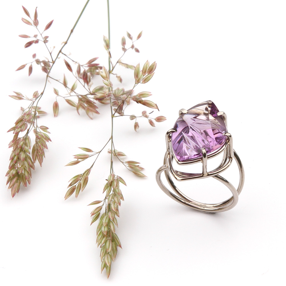 Ring witgoud en Amethyst