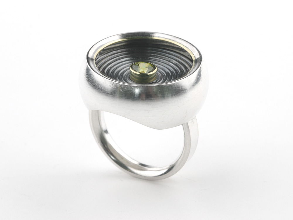 Ring TOMBOLA in silver, gold, and peridot