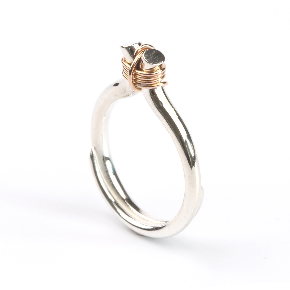 EMBRACE ring in zilver en rood goud
