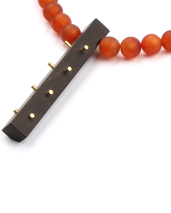 Necklace made of carnelian and ebony