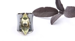 Marianne a large silver ring with lemon citrine