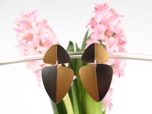 Black long earrings with gold