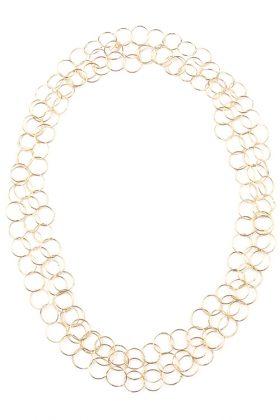A long necklace in 18 karat gold