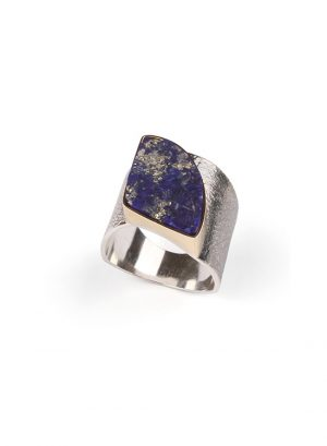 Wide silver ring with Lapis Lazuli