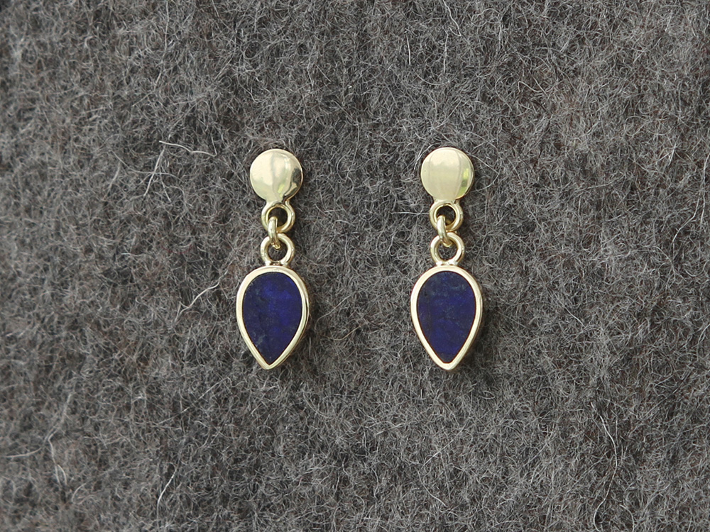 Gold earrings with Lapis Lazuli