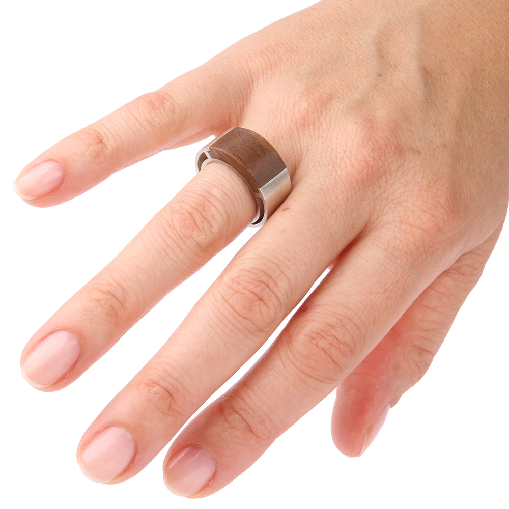 Mens ring with wood