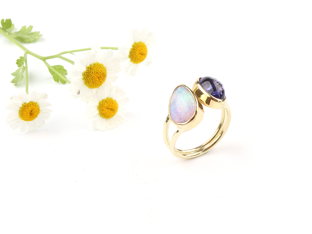 Gold ring with opal and tanzanite