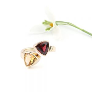 Gold ring with garnet and citrine