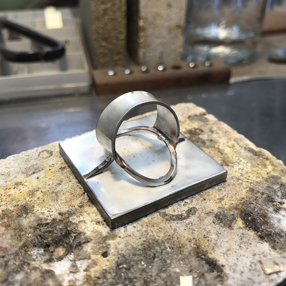 The back of the silver ring