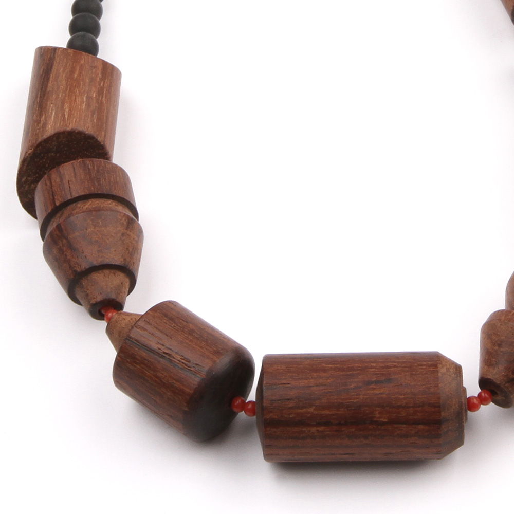 Rose wood necklace