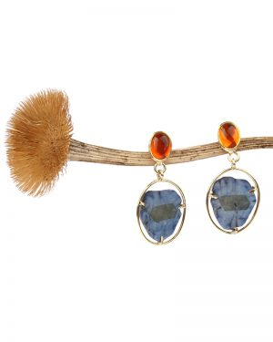 Long earrings made of gold fire opal and sapphire
