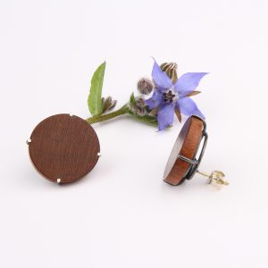 Round wooden stud earrings