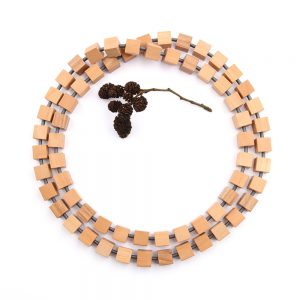 Beautiful long wooden necklace Hip to be Square