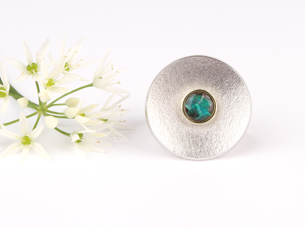 Flying Saucer ring with opal